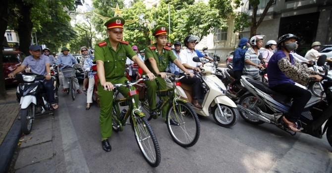 Hà Nội: Cấp thêm 40 xe đạp cho cảnh sát tuần tra phố cổ