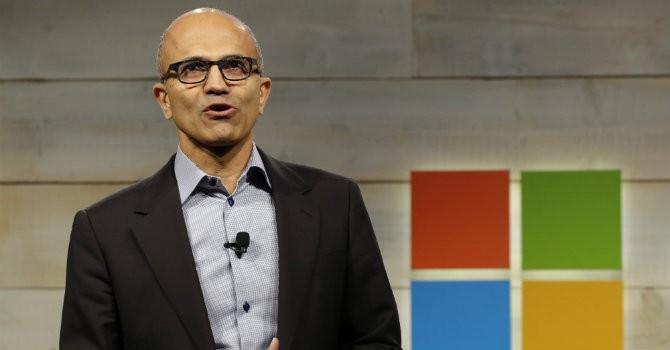 """CEO Microsoft: Tôi muốn có một chiếc điện thoại """"không thông thường"""""""