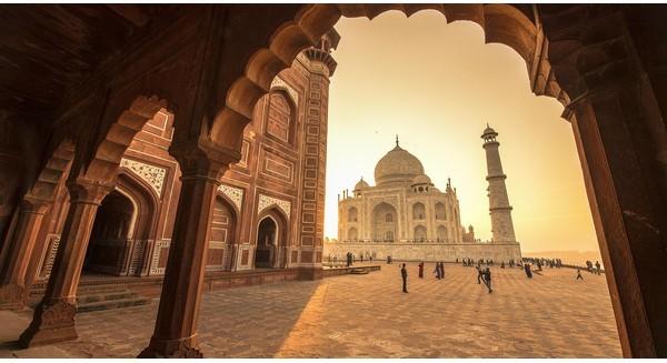 Ấn Độ có gì mà Steve Jobs, Mark Zuckerberg phải đến 1 lần trong đời?