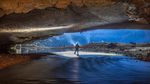 Cáp treo xuyên hang Sơn Đoòng: Cách nghĩ ngược chiều thế giới