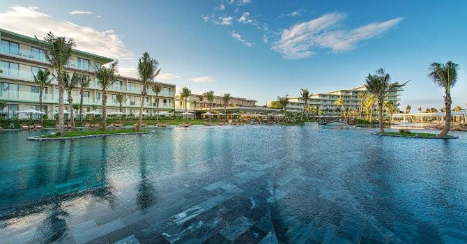 Resort có tới 152 bể bơi ở đâu?