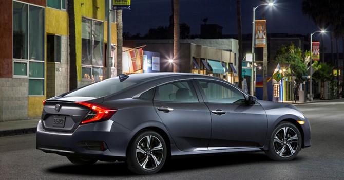 Công nghệ 24h: Honda Civic mới giá 400 triệu đồng, xe phân khối giá rẻ một nửa