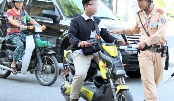 """Xe đạp điện: Tưởng """"lành"""" mà hóa """"dữ"""""""