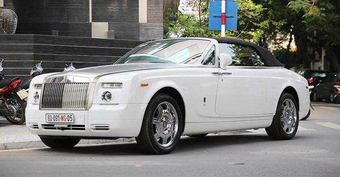 Siêu xe triệu đô Rolls-Royce Phantom mui trần tại Hà Nội