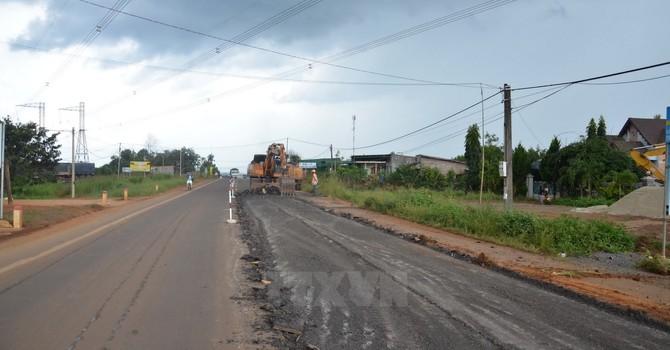 Quốc lộ 14 nứt gãy: Đơn vị thi công tự bỏ kinh phí sửa chữa