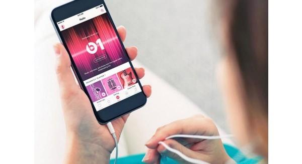 Không cần sản xuất iPhone, Apple vẫn kiếm về hàng tỷ USD