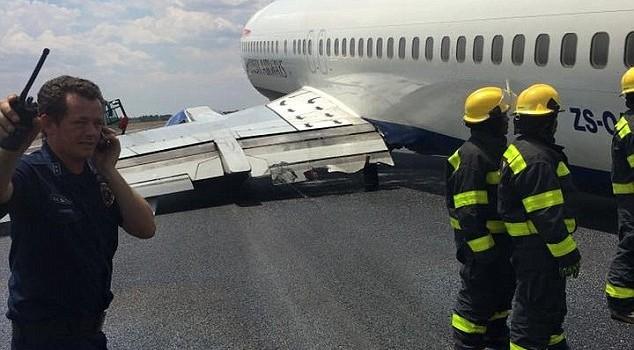 Máy bay chở 100 người, rơi bánh khi hạ cánh