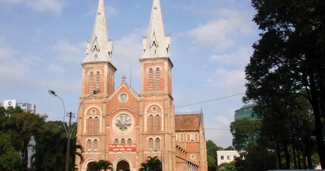 Thách thức của nhà thờ Đức Bà trước cuộc đại tu
