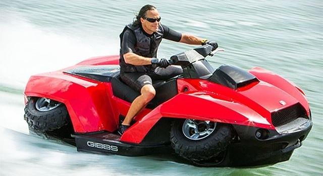 Ra mắt siêu mô tô vừa đi trên cạn vừa ...bơi dưới nước