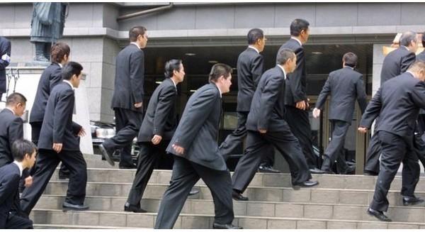 """Tầng lớp """"tiện dân"""": Góc khuất đáng sợ trong lòng xã hội Nhật"""