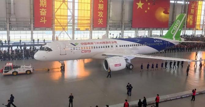Cận cảnh máy bay chở khách cỡ lớn đầu tiên do Trung Quốc sản xuất