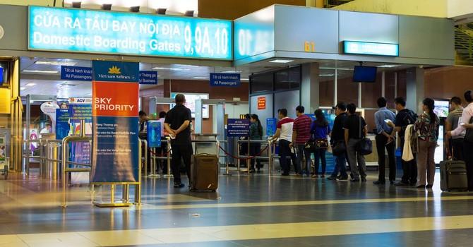 Giả danh nhân viên sân bay để lừa đảo ở Nội Bài