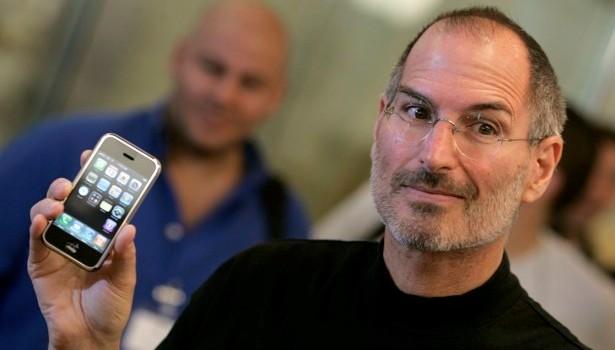 iPhone 2G - chiếc điện thoại chống lại cả thế giới