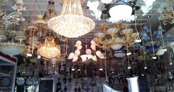 Đèn chùm giá gần 1 tỷ ở Hà Nội có gì lạ?