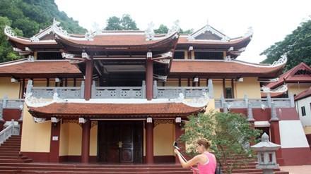 Công trình sai phạm ở chùa Hương: Cơ quan quản lý di tích ở đâu?