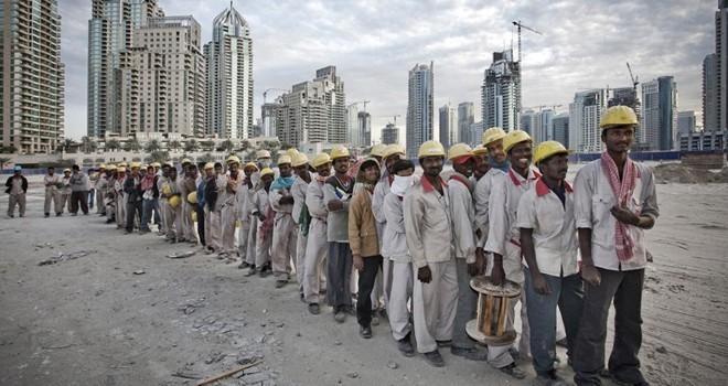 Góc khuất dưới những tòa nhà chọc trời ở Dubai
