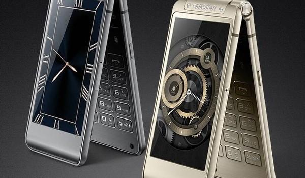 Smartphone nắp gập sang chảnh của Samsung có giá tới 35,5 triệu đồng