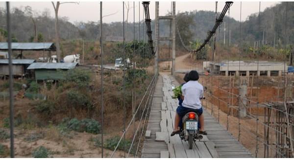 Làng đẻ thuê ở Thái Lan: Một đứa trẻ giá bao nhiêu tiền?