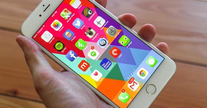 """Công nghệ 24h: iPhone 6 """"rớt"""" giá khiến smartphone cao cấp điêu đứng"""