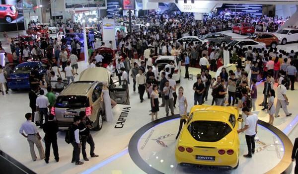 Thị trường ô tô cuối năm: Chờ đợi bùng nổ