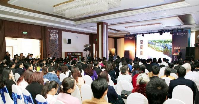 Nhà đầu tư Hà Nội đổ về Sầm Sơn xem biệt thự FLC L'Amoura