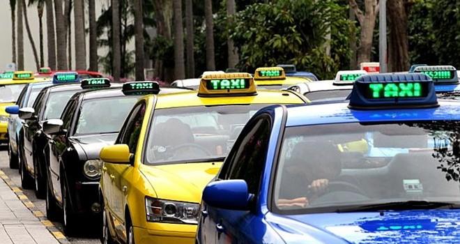 Giá taxi Việt Nam ở vị trí nào trong khu vực?