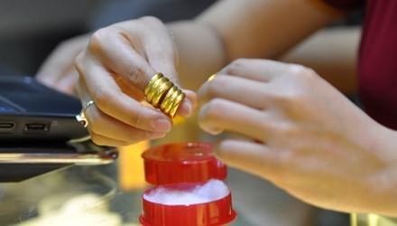 Tốn vài triệu đồng là biết vàng giả, vàng thật?