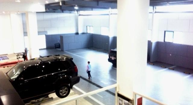 Choáng ngợp siêu xe trong trung tâm giới thiệu sản phẩm ngành nghề truyền thống