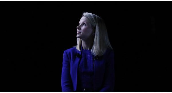 Ngồi trên đống lửa, cổ đông Yahoo thi nhau làm CEO