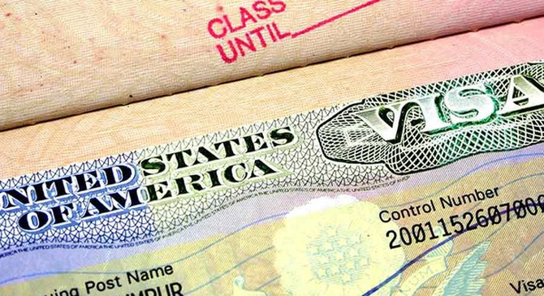 Mỹ xét duyệt Facebook để cấp... Visa