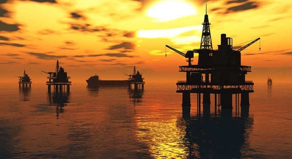 """Giá dầu giảm: Chủ cây xăng lãi to, """"ông lớn"""" dầu khí lại buồn"""