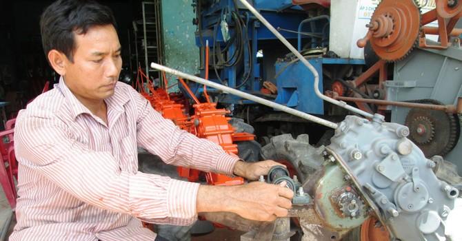 Tự tạo cơ hội: Nông dân chế tạo máy xuất khẩu
