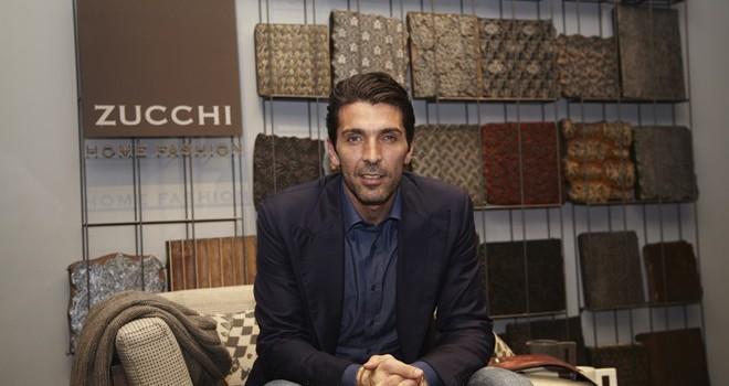 Buffon mất 20 triệu euro vì muốn cứu người lao động
