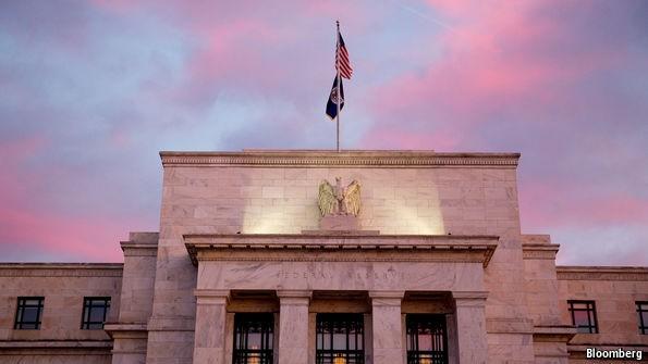Fed tăng lãi suất qua cơ chế nào?