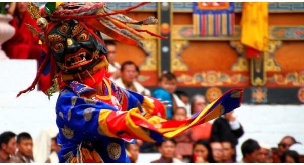 Đế chế kinh doanh khổng lồ chi phối toàn bộ đất nước hạnh phúc nhất thế giới Bhutan