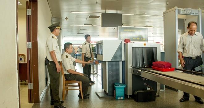 """Người Trung Quốc dùng """"hộ chiếu lạ"""" để đi máy bay ở Đà Nẵng"""