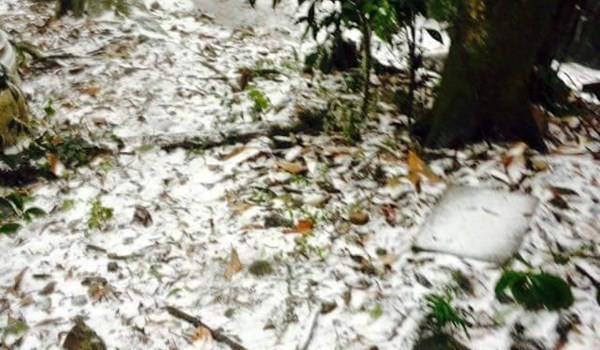 Lần đầu tiên trong lịch sử, thủ đô Hà Nội có tuyết rơi