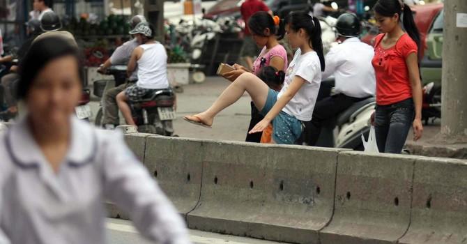  Từ 1/2, phạt tiền người đi bộ vi phạm luật giao thông