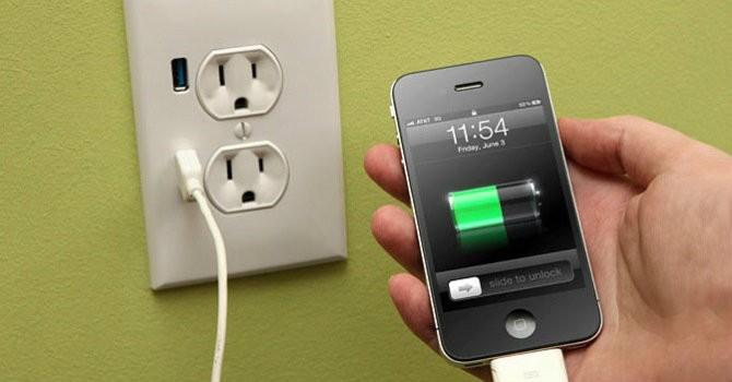 Apple thu hồi sạc pin có nguy cơ bị giật điện