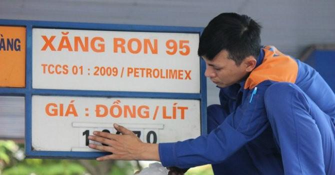 Nguyên nhân xe chết máy do xăng RON 95 dính tạp chất nhựa?