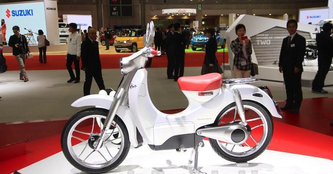 [Ảnh] Honda Super Cub cực độc chạy bằng điện