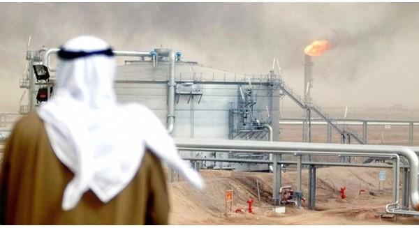 """Ả rập Xê-út: """"Gã nhà giàu hư hỏng"""" bị nhấn chìm bởi dầu mỏ"""