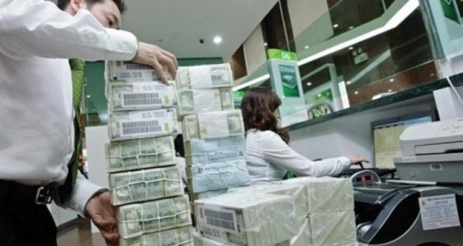 Siết vay USD có làm khó doanh nghiệp?