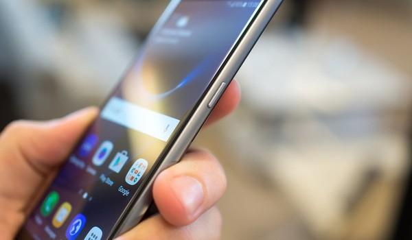 """Samsung """"ăn dày"""" 10 triệu đồng với mỗi máy Galaxy S7 bán ra"""