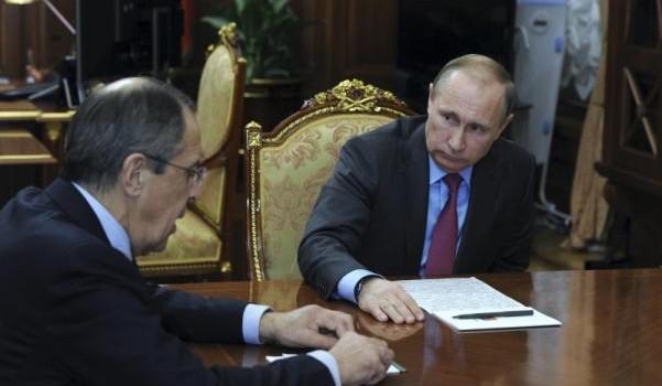 Vì sao ông Putin đột ngột rút quân khỏi Syria?