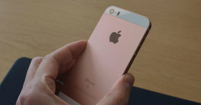 Cận cảnh iPhone SE: Vỏ iPhone 5s, ruột 6s