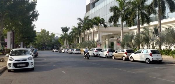 """Kinh doanh ở Việt Nam thời internet: Chủ đi xe máy, """"lính"""" đi xe hơi"""