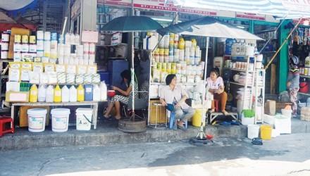 """Chợ """"thần chết"""" giữa Sài Gòn"""