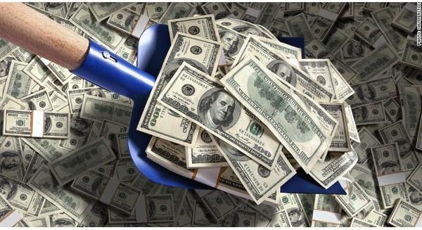 """""""Tự dưng"""" có thêm 1.500 tỷ đồng trong két, Triển lãm Giảng Võ lựa chọn sáng suốt: Mang đi gửi ngân hàng"""