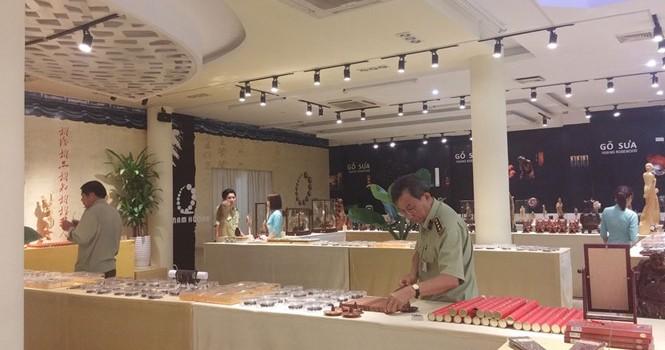 Cửa hàng ở Nha Trang xài... nhân dân tệ: Xúc phạm người Việt